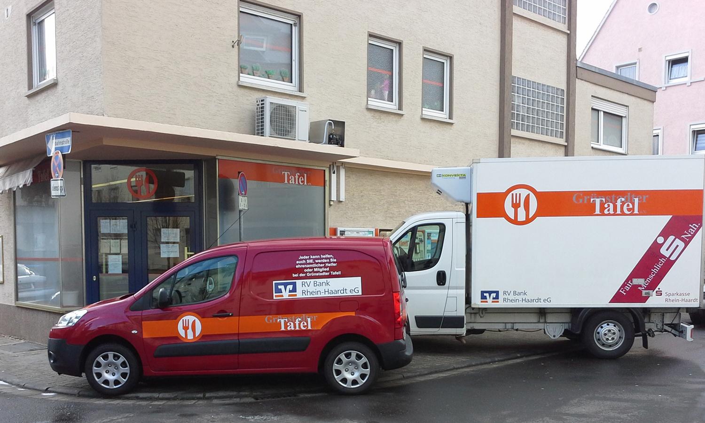 Eetbank En Tafel : Aufnahme stopp vorbei ausländer können wieder tafel kunden